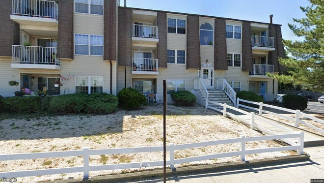 This Google Street View image shows the approximate location of 412 Beachway in Keansburg. The property at this address changed hands in January 2020, when new owner bought the property for $75,000.