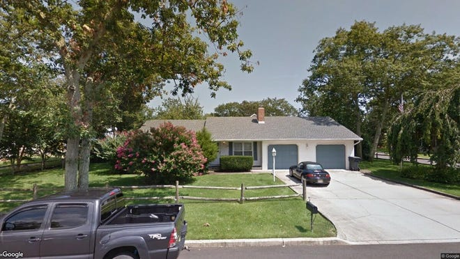 This Google Street View image shows the approximate location of 261 Hudson Drive in Brick. The property at this address changed hands in January 2020, when new owner bought the property for $350,000.