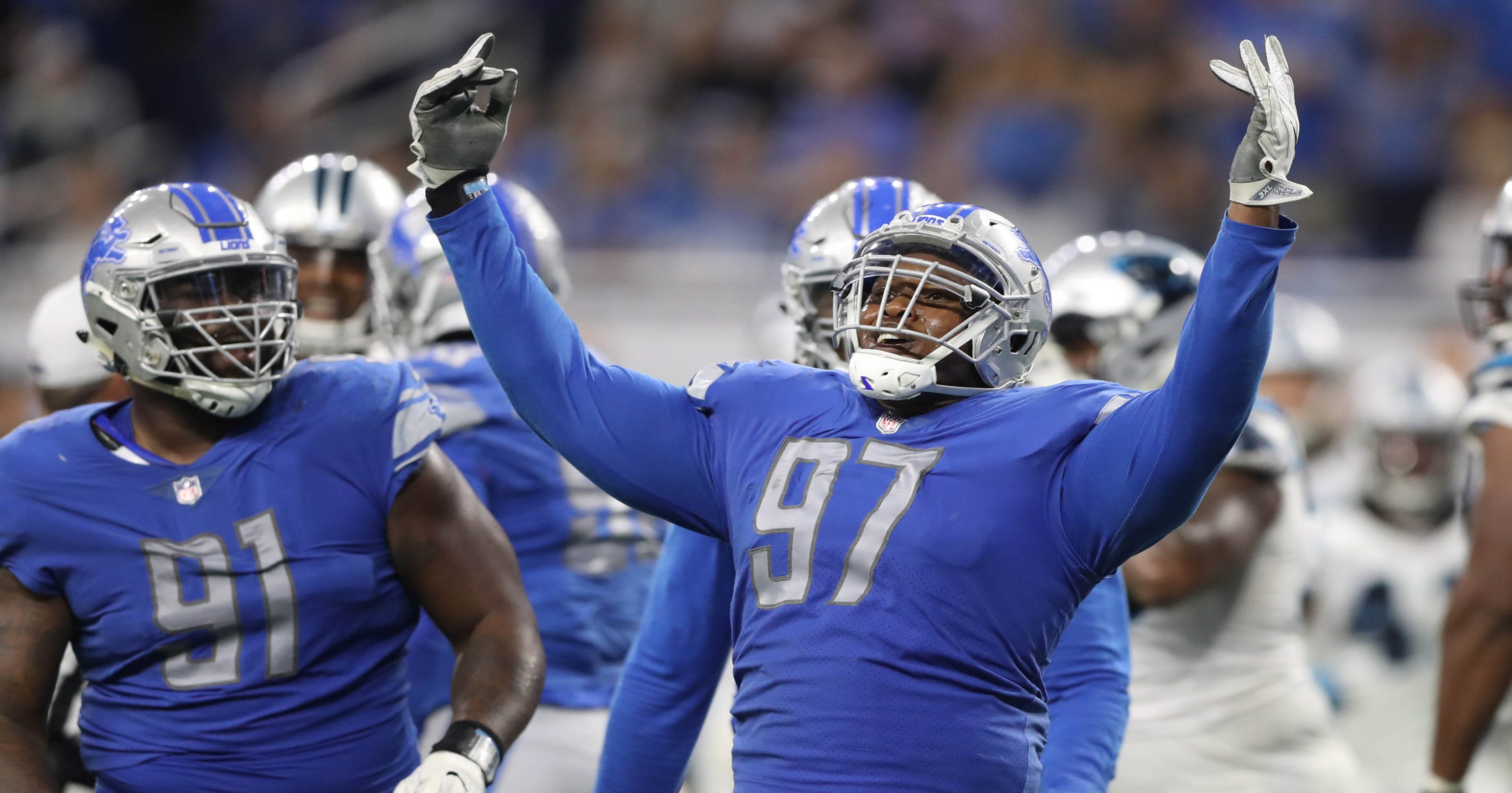 7b0bc0a1c Detroit Lions trade Akeem Spence to Miami Dolphins for draft pick
