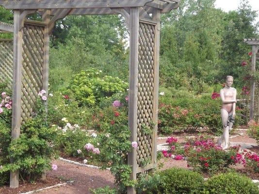 APC 031014 Yard MD BLOG- gardens fox cities.JPG