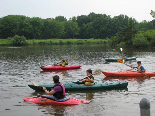 -Kayaking.JPG_20140404.jpg