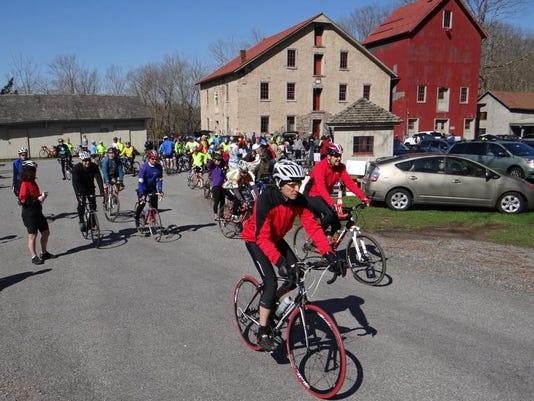 -Riders leaving for 2013 Tour de Open Space.JPG_20140404.jpg
