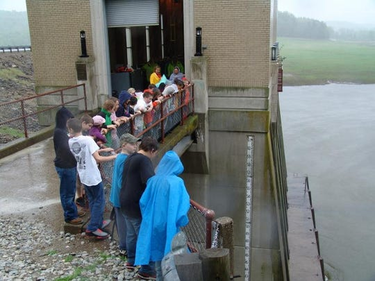 Ridgewood Elementary School students look over the Wills Creek Dam.