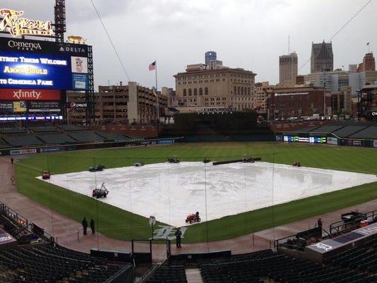 comerica park tarp bad weather.jpg