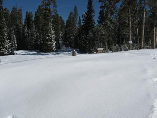 -KingsHill1 Campground snow on May 12 2014.JPG_20140520.jpg