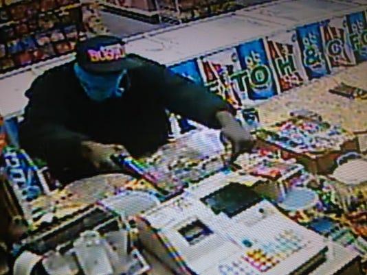 700 n pierce robbery 2.jpg