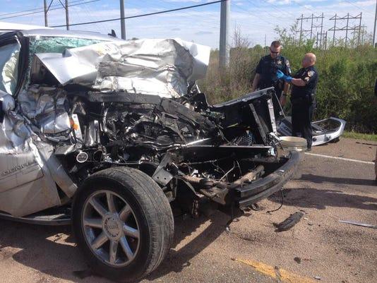-Bus Wreck 1.jpg_20140407.jpg