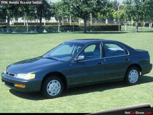 Honda-Accord_Sedan_1996_1024x768_wallpaper_03.jpg