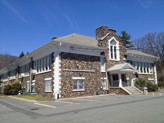 Lake Drive School in Mountain Lakes file photo.