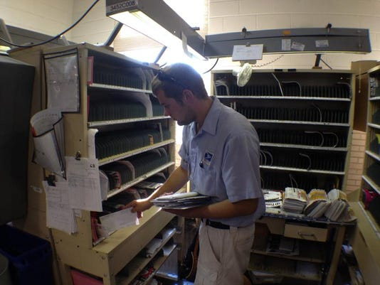 ptc 0712_postal carrier
