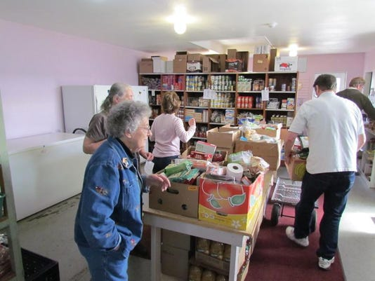 SAL0312-Sta Food Bank