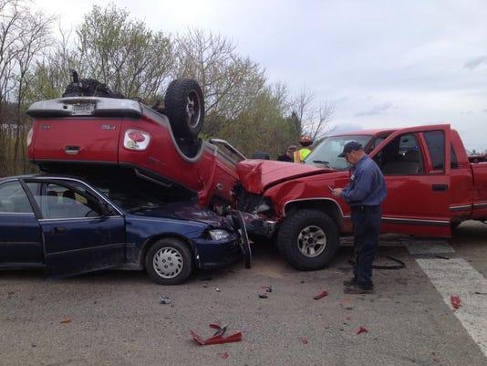 -Richmond Road wreck.jpg_20140414.jpg