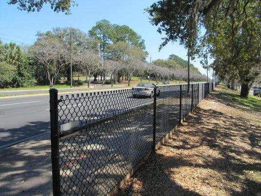 Tennessee fence.JPG