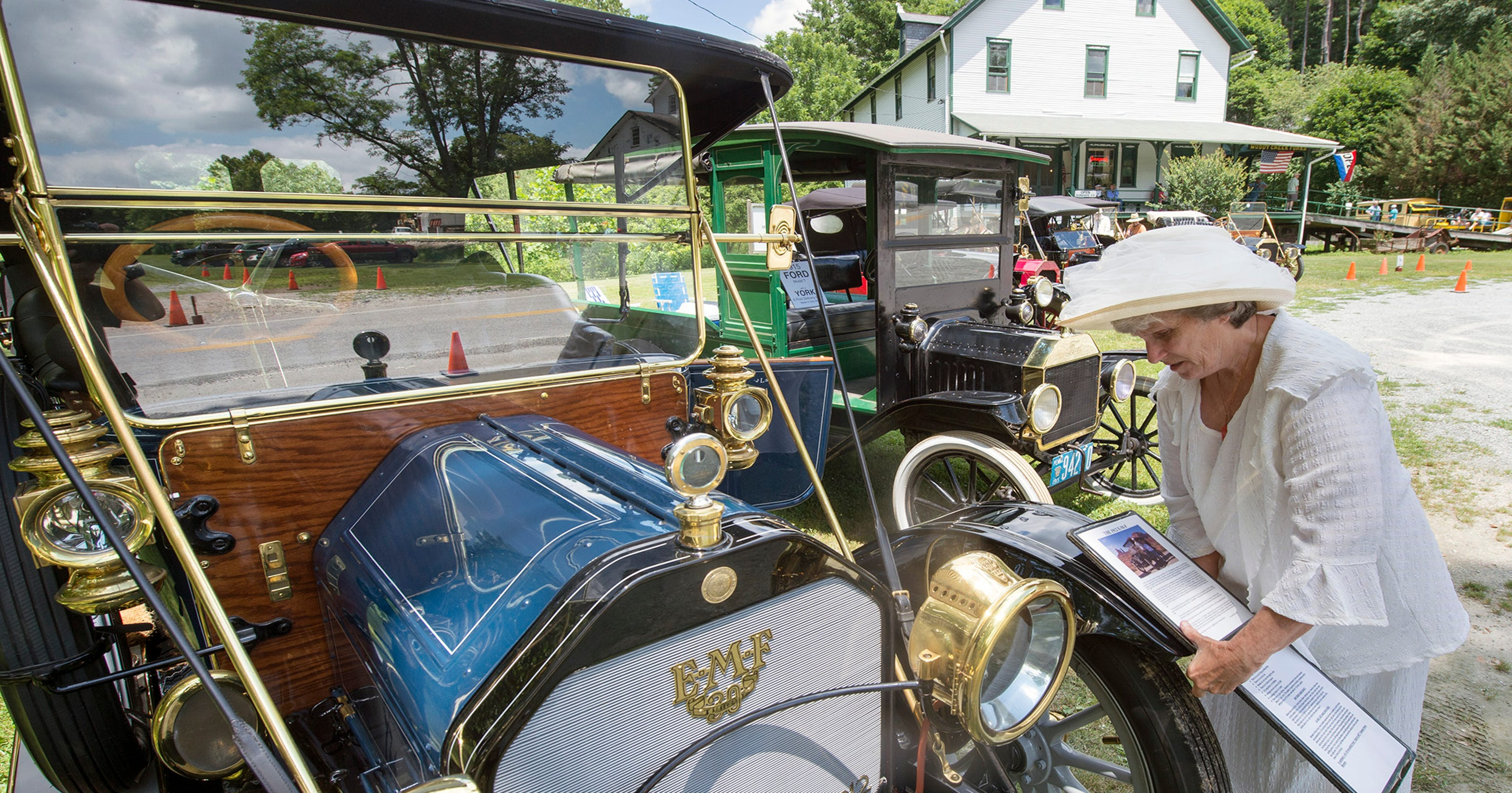 What\'s it like driving 100-plus-year-old cars cross-country?