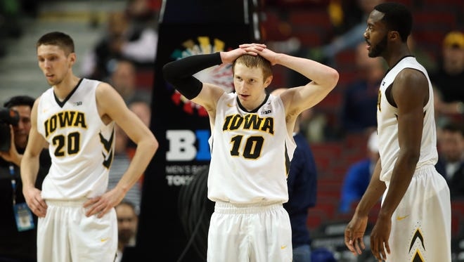 Iowa's Jarrod Uthoff, Mike Gesell, Gabe Olaseni suffer confidence-crushing loss to Penn State Thursday.