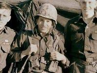 El pintor Román P. Reyes, perteneció a la Banda de Música de la División Aérea 101 del Ejército de los Estados Unidos.