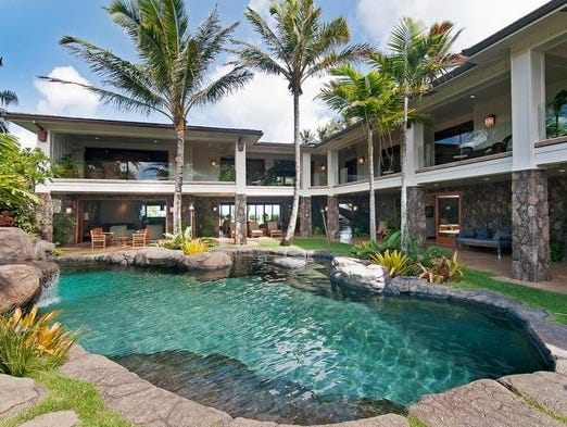 Accommodations site Vacationhomerentals.com combed their listings for the most expensive properties in top vacation destinations. Here are their ten priciest lodgings available for vacationers: 1. Majestic Oceanfront Estate, Kailua, Hawaii ($34,900/week) http://www.vacationhomerentals.com/vacation-rentals/Kailua-Hawaii-vacation-rental-home-proID-67853.html