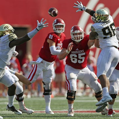 Insider: Growing pains strike at inopportune time for Richard Lagow, Hoosiers