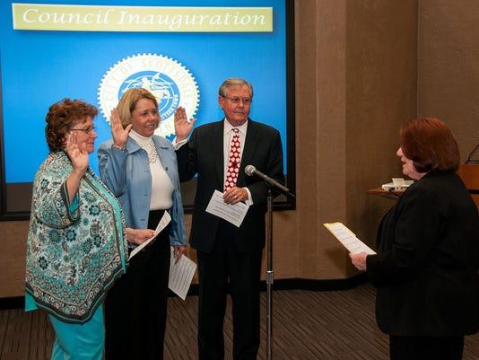 Council sworn in in Scottsdale