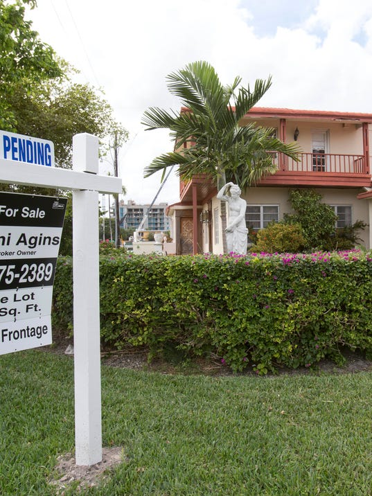 AP PENDING HOME SALES F FILE USA FL