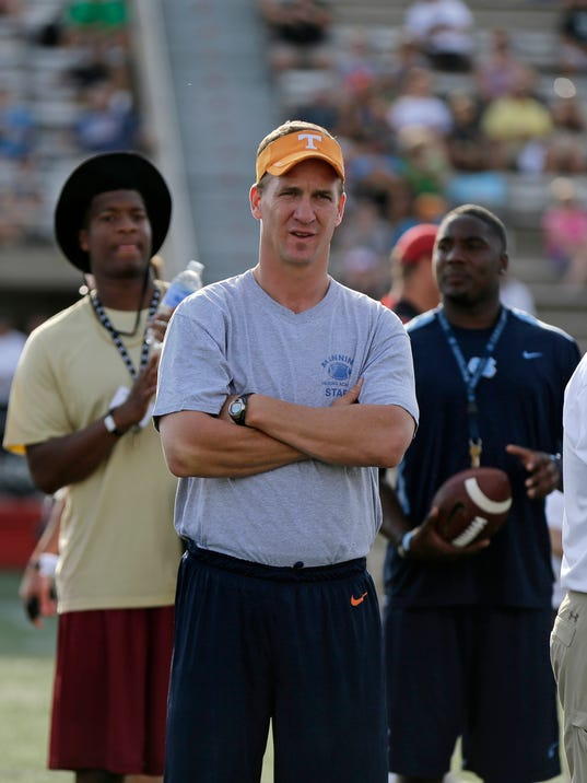 Manning Passing Academy (3)