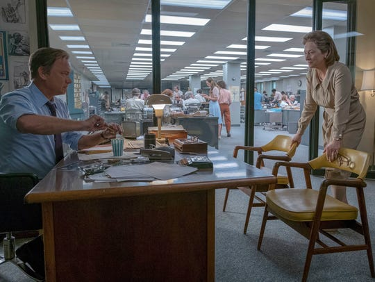 Tom Hanks portrays Ben Bradlee and Meryl Streep portrays