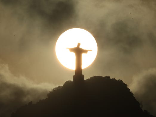 A view of the Christ the Redeemer statue.