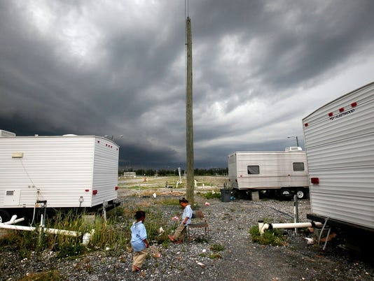 GTY LOUISIANA FEMA TRAILER PARK STILL INHABITED FOUR YEARS LATER A DIS USA LA