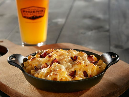 Cast Iron Macaroni and Cheese at The Phoenix Ale Brewery