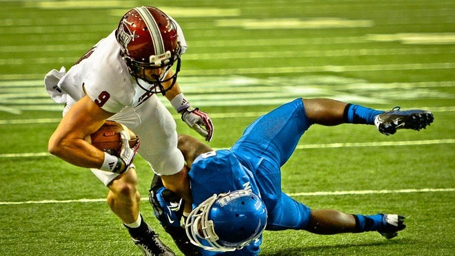 Troy receiver Wilson Van Hooser signs rookie deal with the New England Patriots.