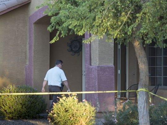 Un vecino dijo que el hombre involucrado en los asesinatos se había separado de su esposa unos meses antes.