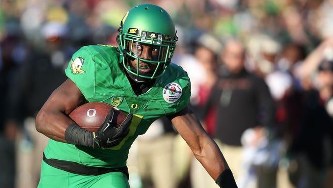 Oregon running back Byron Marshall drives towards the end zone during their Florida State in the Rose Bowl on Thursday, Jan. 1, 2015, Pasadena, Calif.