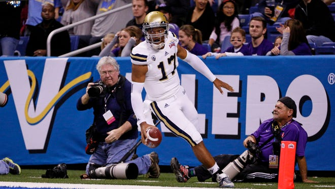 With a pair of high-profile quarterbacks vying to be 2015's top pick and a number of Sun Devil and Valley high school alums (including former Chandler High standout Brett Hundley) on the board, this year's NFL draft should have plenty of drama and intrigue.