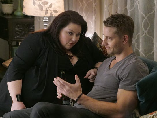 Chrissy Metz plays the adult Kate and Justin Hartley