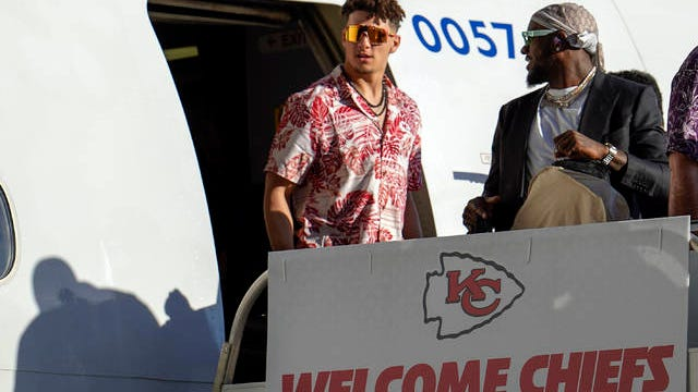 Kansas City Chiefs' Patrick Mahomes arrives for the NFL Super Bowl 54 football game Sunday at the Miami International Airport in Miami.