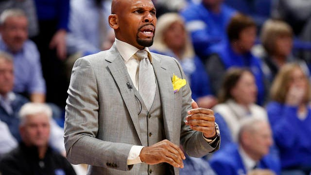 First-year Vanderbilt coach Jerry Stackhouse and the Commodores saw their string of SEC losses reach a league-record 25 with Wednesday's 71-62 defeat at No. 13 Kentucky.