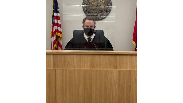 Judge Lee Bailey wears a mask while holding court at Maury County General Session Court Part II in Mt. Pleasant on Friday.