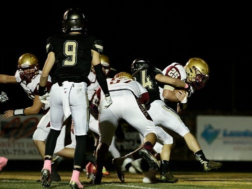 Desert Hills defeated Cedar, 33-21, and secured a spot in the quarterfinals in two weeks.
