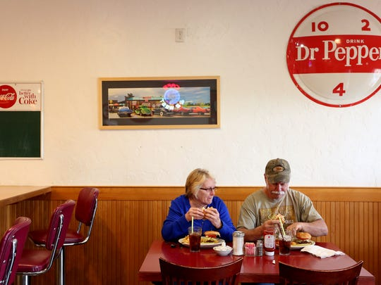 Jo Thompson, left, and Lonnie Thompson eat lunch at Cafe 22 between Salem and Dallas on Highway 22.