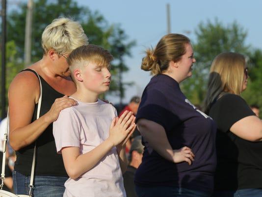 Noblesville middle school shooting prayer vigil