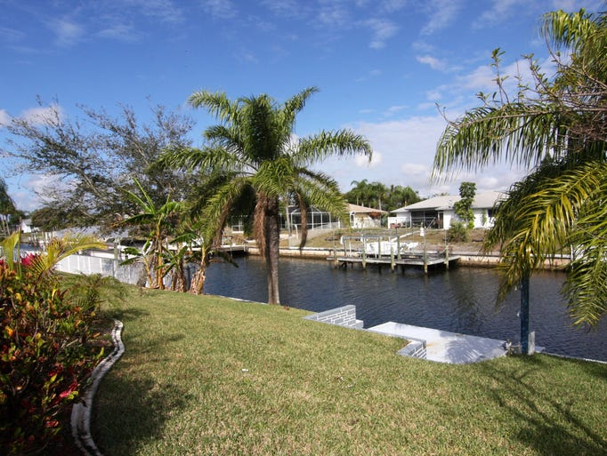 Waterfront homes for sale in Cape Coral: 1307 SE 16th Street – Pending – 255,000
