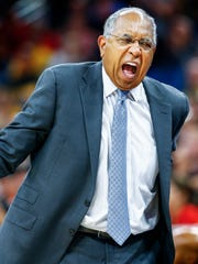 Memphis head coach during second action against Cincinnati