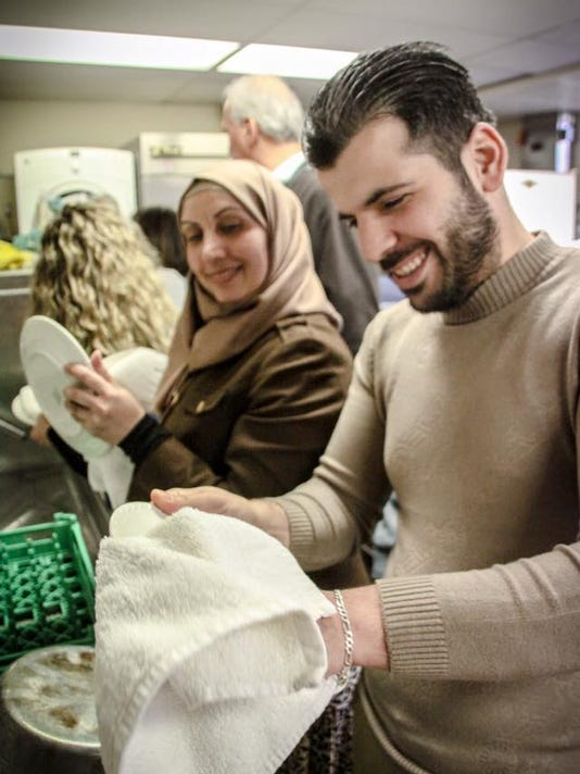 635877025557254435-dishwash-photo-syrian-refugee.jpg