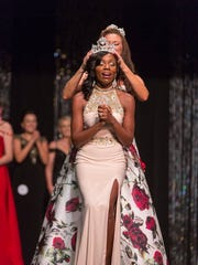 Tyiana Thompson is crowned  Mrs. Kentucky 2017 on Oct. 29, 2016. The Henderson native will next compete in the national competition in August 2017.