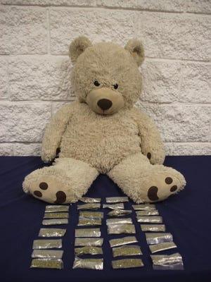 Juárez police found marijuana packets inside a teddy bear.