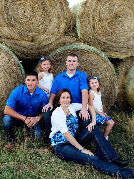 636555212135232808-familypic.jpg