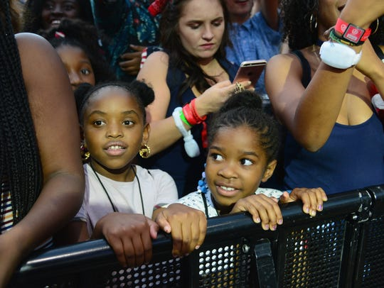 Music fans attend the 2016 Budweiser Made in America