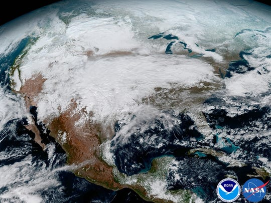 The first stunning images from the newest geostationary meteorological satellite.
