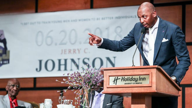 June 20, 2018 - Penny Hardaway speaks during Jerry Johnson's 100th birthday banquet at the Holiday Inn Memphis-Univ of Memphis. Johnson, legendary Lemoyne-Owen basketball coach, was honored during the banquet that featured Penny Hardaway as the keynote speaker.