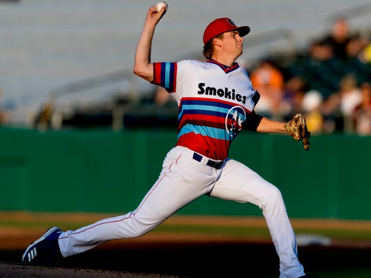 Smokies pitcher Duncan Robinson (44) pitches during a game between the Tennessee Smokies and Montgomery Biscuits at Smokies Stadium in Kodak, Tennessee on Friday, June 15, 2018.
